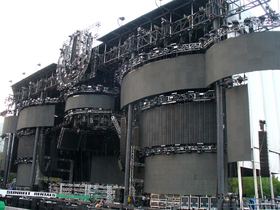 Mountain Truss Main Stage at UMF15