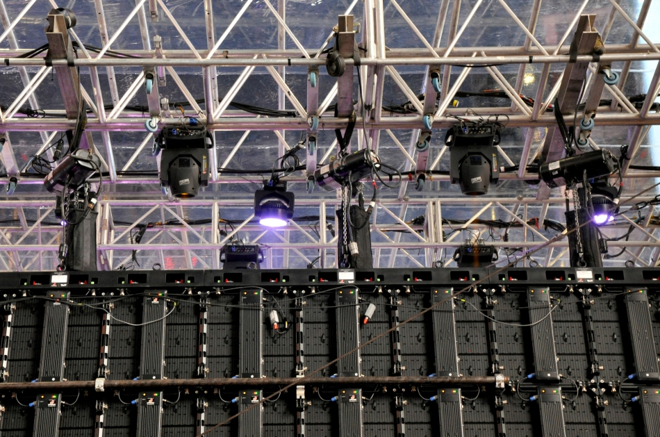 CM Lodestars hanging the video panels for the Rock In Rio promotional event in NYC