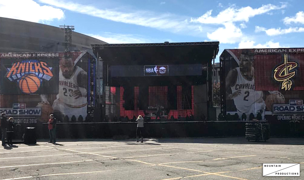 SL-320 Mobile Stage for NBA Opening Night